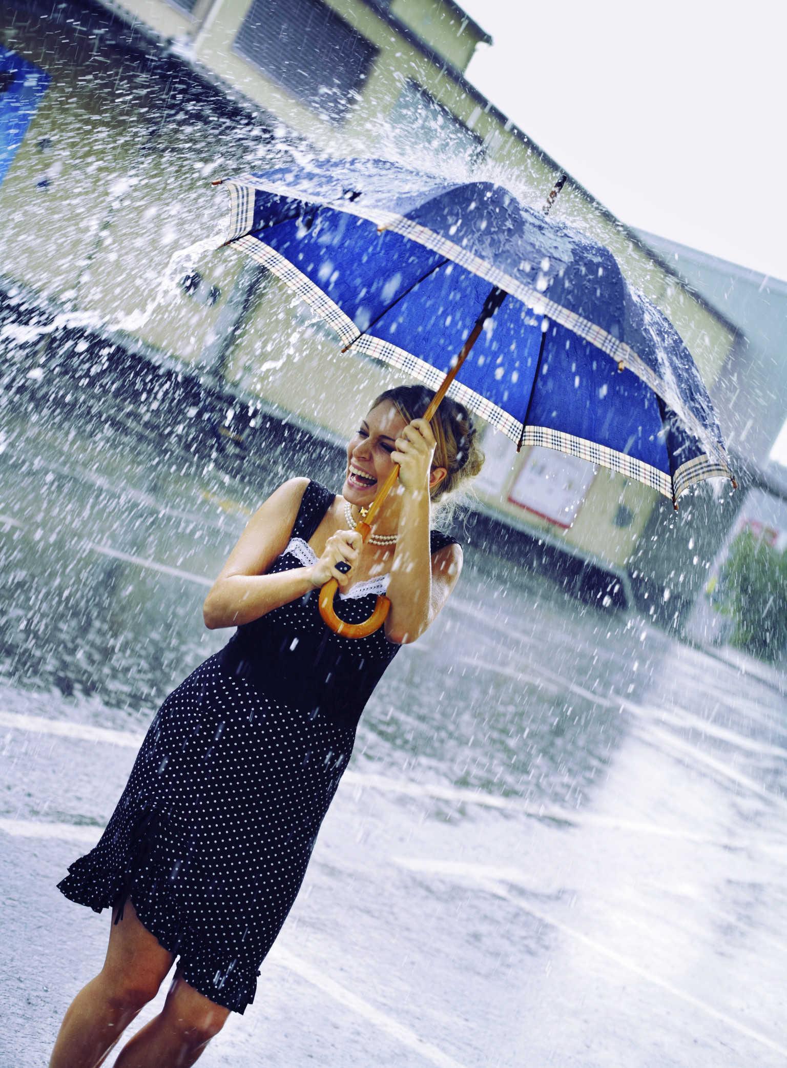 o-WOMAN-RAIN-facebook_4