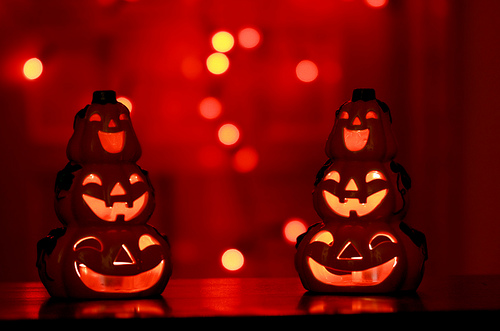 8_halloween-party-ideas-for-lights_10-awesome-halloween-party-ideas