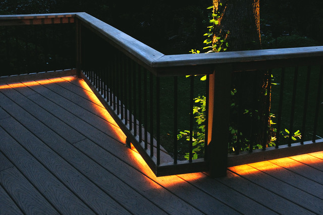 String Lights On Deck Railing : Deck Lighting FAQ - Louie Lighting Blog
